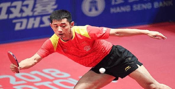 Zhang Jike playing a ping pong match returning a topspin