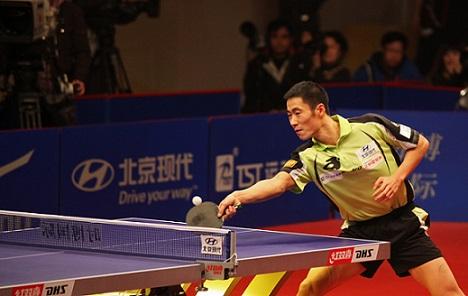 Wang Liqin during a match with Vladimir Samsonov