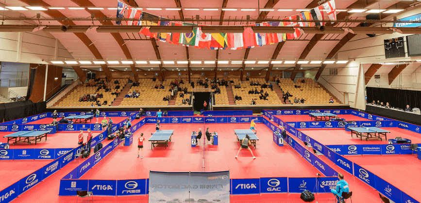 tournament in stockholm wiht many players and crowd